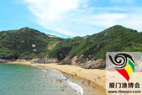 推荐二:牛郎岗海滩     牛郎岗海滨浴场位于福鼎市秦屿镇东南方,距